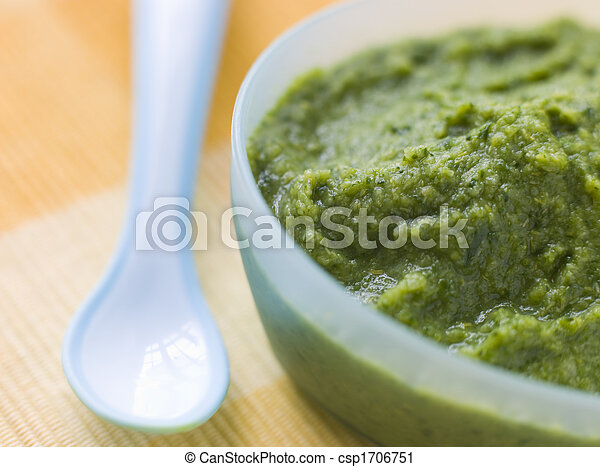 Broccoli and Spinach Baby Food Puree - csp1706751