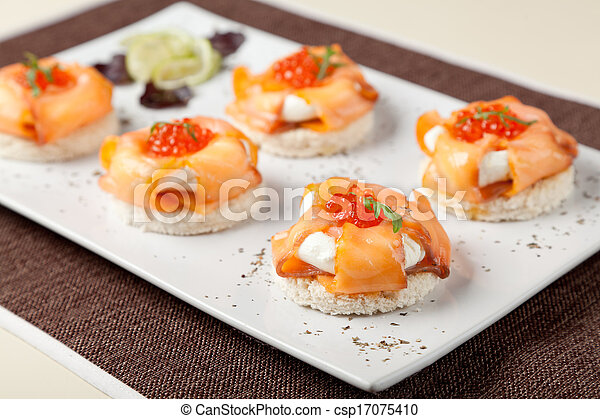 Photo canapes fum saumon cr me fromage image for Canape saumon fume