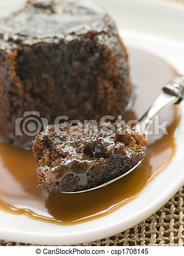 Sticky Toffee Pudding with Toffee Sauce - csp1708145