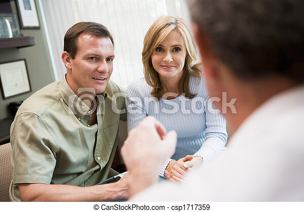 Couple in consultation at IVF clinic (selective focus) - csp1717359