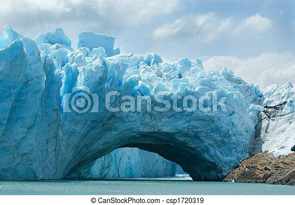 View of the magnificent Perito Moreno glacier, Argentina. - csp1720319
