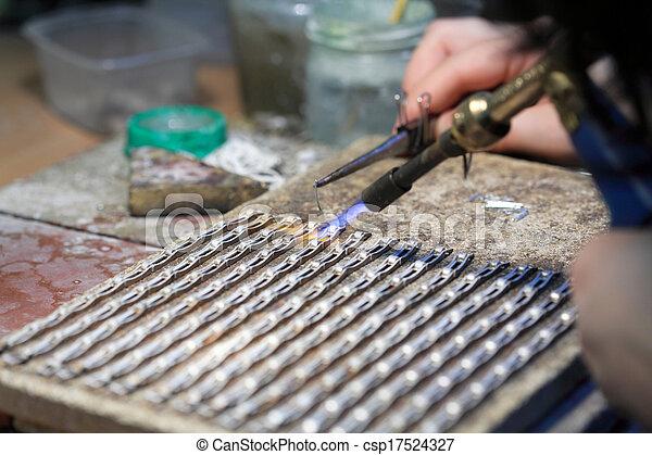 stock foto von h nde juwelier arbeit silber l ten csp17524327 suchen sie stock. Black Bedroom Furniture Sets. Home Design Ideas
