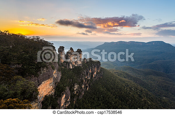 Sunrise from Echo Point in Blue Mountains Australia - csp17538546