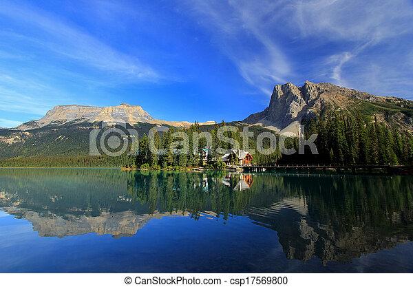 Emerald Lake, Yoho National Park, British Columbia, Canada - csp17569800