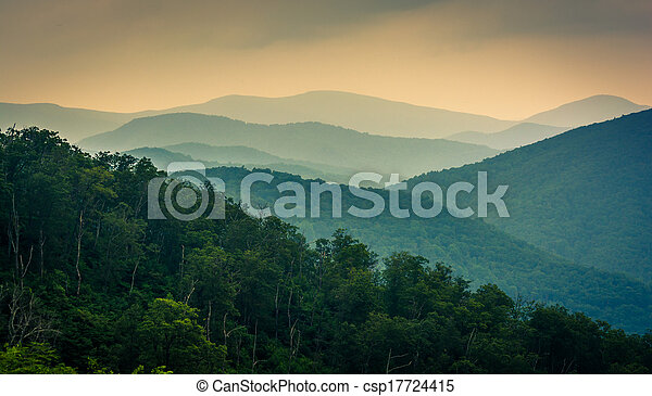 The Blue Ridge Mountains, seen from Skyline Drive in Shenandoah National Park, Virginia. - csp17724415