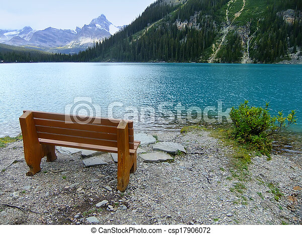 Lake O'Hara, Yoho National Park, British Columbia, Canada - csp17906072
