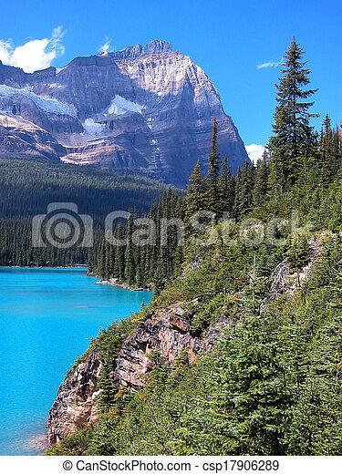 Lake O'Hara, Yoho National Park, British Columbia, Canada - csp17906289