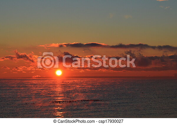 Sunrise over Lake Ontario - csp17930027