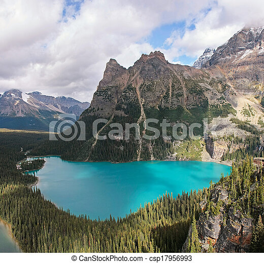 Lake O'Hara, Yoho National Park, British Columbia, Canada - csp17956993