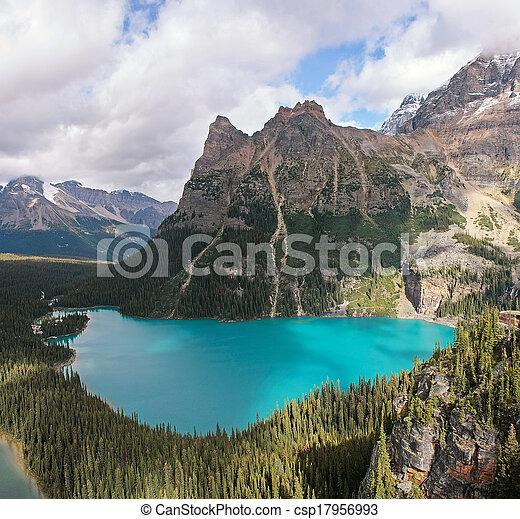 Lake O'Hara, Yoho National Park, British Columbia, Canada - csp17956993