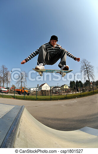 skateboard jump - csp1801527