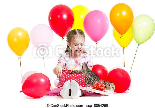 image de bo te chaton surpris cadeau enfant surpris enfant csp18054269. Black Bedroom Furniture Sets. Home Design Ideas