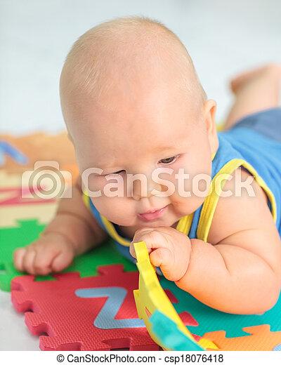嬰孩, 玩具 - csp18076418