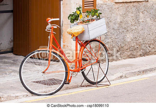 Stock fotografie von orange damen fahrrad blumen dekoration drau en csp18099110 - Dekoration fahrrad ...