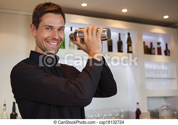 photo de barman sourire secousse cocktail sourire barman csp18132724 recherchez des. Black Bedroom Furniture Sets. Home Design Ideas