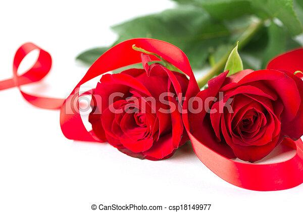 stock foto valentines ros blume geschenkband freigestellt wei es hintergrund stock. Black Bedroom Furniture Sets. Home Design Ideas