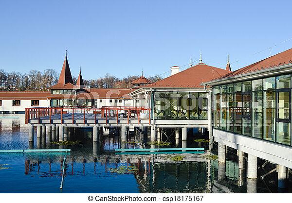 Stock de fotos heviz termal lago nataci n piscina for Balneario de fortuna precios piscina