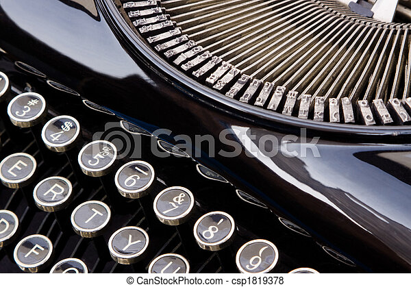 Antique Typewriter - csp1819378