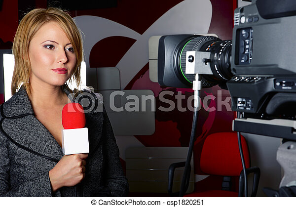 tv reporter with braking news reports - csp1820251