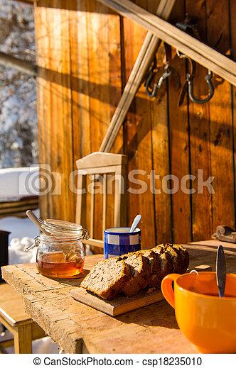 Stock Fotografie von Winter, hölzern, Schnee, hütte, Tisch ...