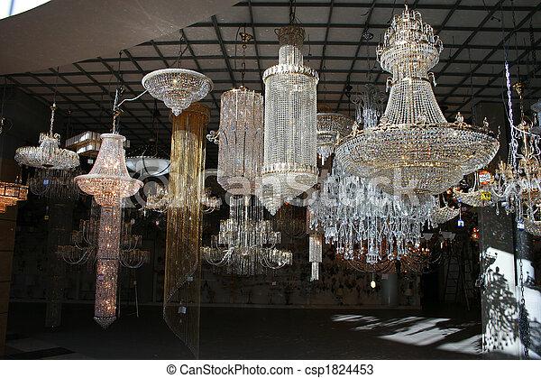 photos de magasin lustre lustre magasin csp1824453. Black Bedroom Furniture Sets. Home Design Ideas