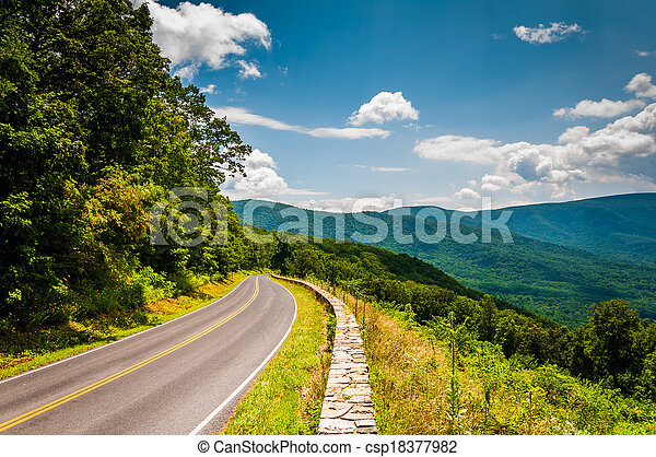 Skyline Drive and view of the Blue Ridge Mountains, in Shenandoah National Park, Virginia. - csp18377982