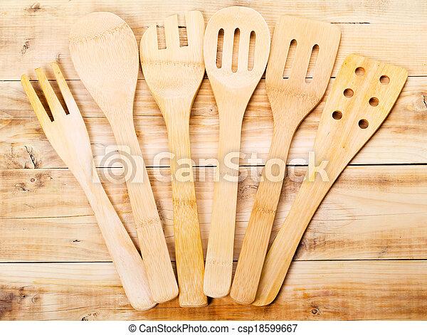 image de bois cuisine ustensiles mensonge bois table csp18599667 recherchez des. Black Bedroom Furniture Sets. Home Design Ideas