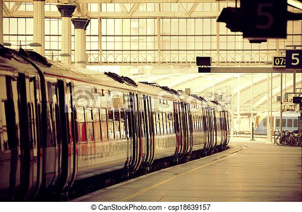 Train - csp18639157