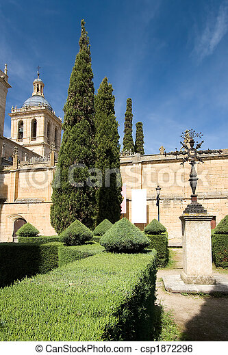 Gardens of the cathedral of Ciudad Rodrigo, Salamanca (Spain) - csp1872296