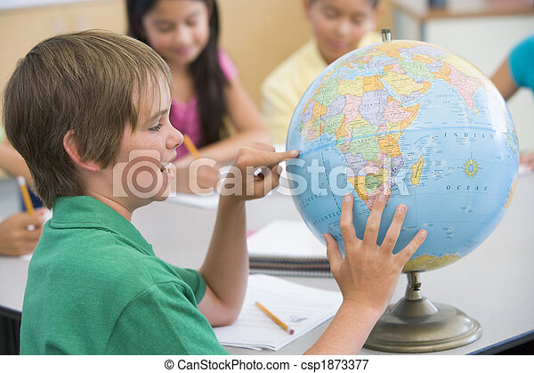 Elementary school geography class - csp1873377