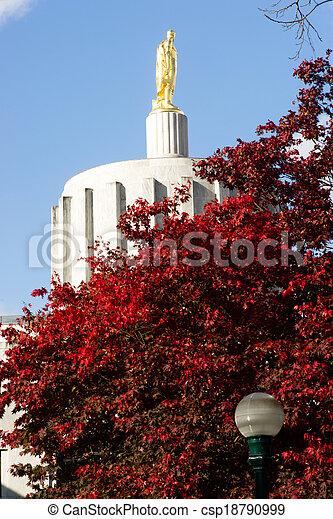 Salem Oregon Government Capital Building Downtown - csp18790999