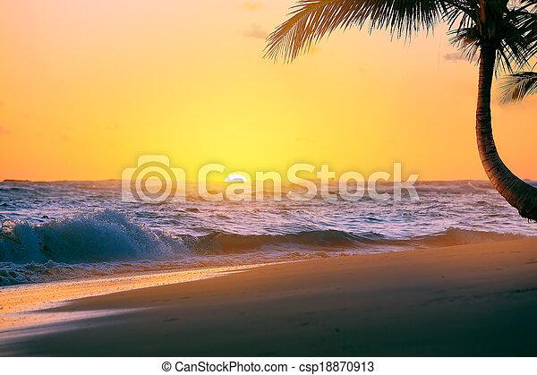 Art Beautiful sunrise over the tropical beach - csp18870913
