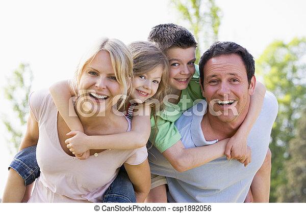Geben, Paar, zwei, junger, Huckepack, Lächeln, reitet, Kinder - csp1892056
