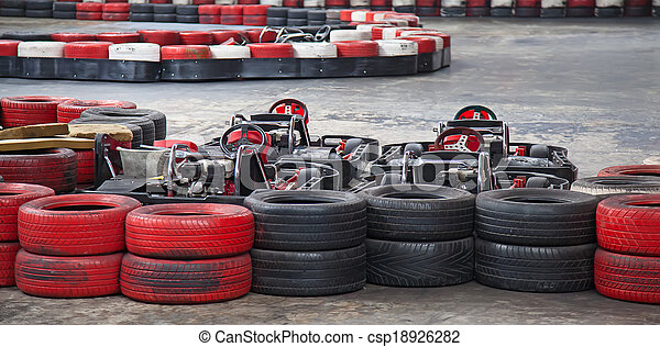 Photo int rieur karting image images photo libre de for Karting interieur