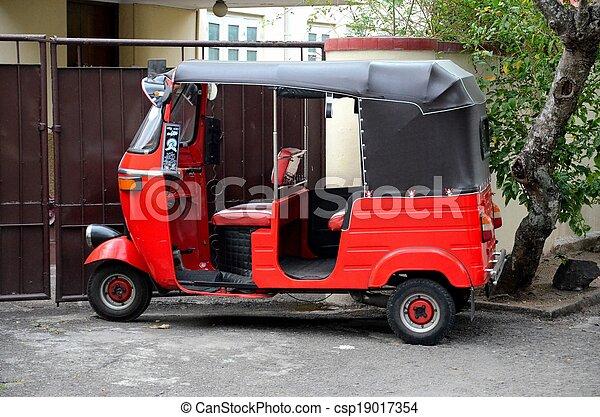stock bilder von wheeler tuk rickshaw drei rotes. Black Bedroom Furniture Sets. Home Design Ideas