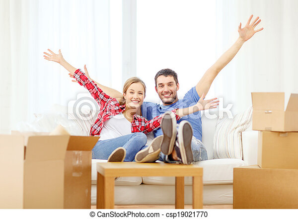 Immagini di rilassante divano coppia nuovo casa for Aprire i piani casa artigiano concetto