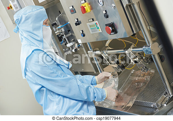 pharmaceutical factory worker - csp19077944