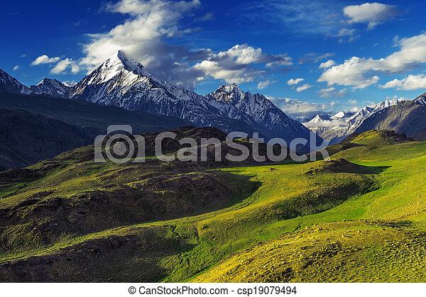 ヒマラヤ山脈 - csp19079494 ヒマラヤ山脈, 山, 中に, 夏, 時間カンプを保存
