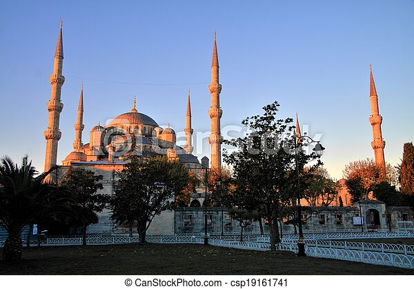 Blue Mosque at Sunrise, Istanbul - csp19161741