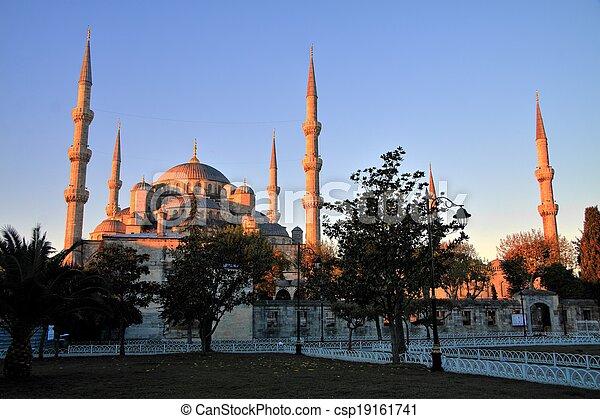 Blue Mosque at Sunrise, Istanbul - csp19161741