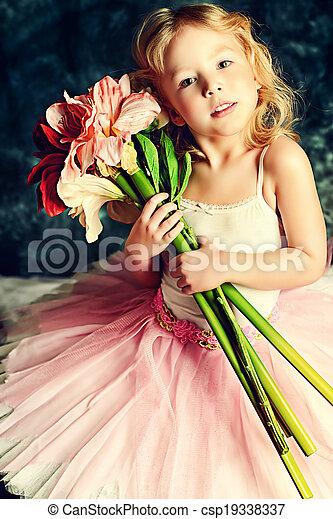young actress - csp19338337