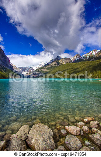 Scenic Lake Louise of Banff Alberta - csp19471354