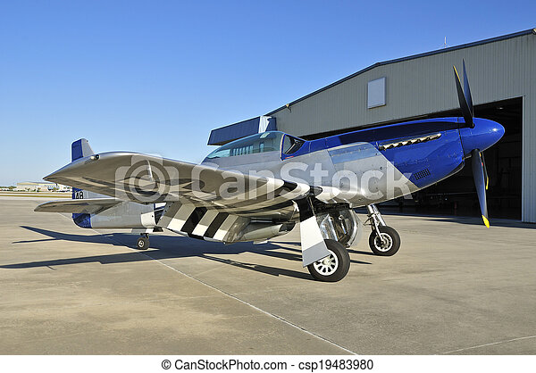 Pictures of wwii fighter plane P-51 Mustang - blue nose P-51 Mustang ...