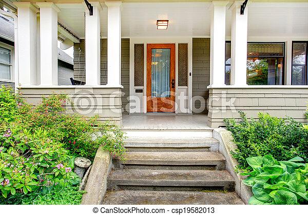 photographies de colonne maison entr e ext rieur porche maison csp19582013. Black Bedroom Furniture Sets. Home Design Ideas