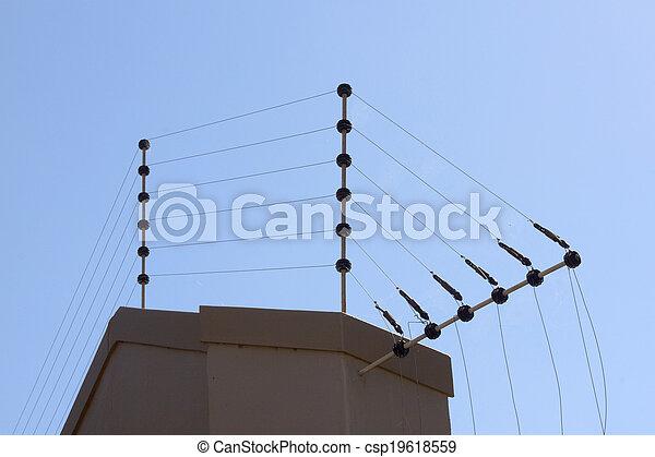 Images de lectrique barri re contre bleu ciel en haut limite csp19618559 recherchez - Mur en limite de propriete droit ...