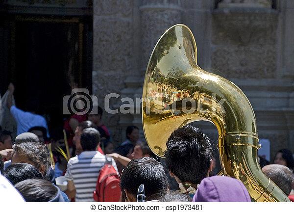 tuba, bajo, musical, Instrumento, multitud - csp1973481