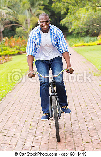 乗馬, アメリカ人, アフリカ, 自転車, 人 - csp19811443
