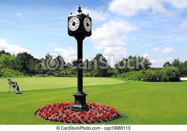 stock fotografie von pfahl drau en uhr outdoor clock post auf golfplatz csp19988113. Black Bedroom Furniture Sets. Home Design Ideas