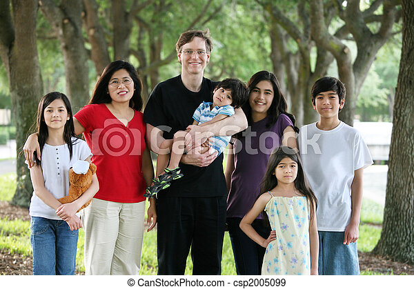 Large multiracial family of seven - csp2005099