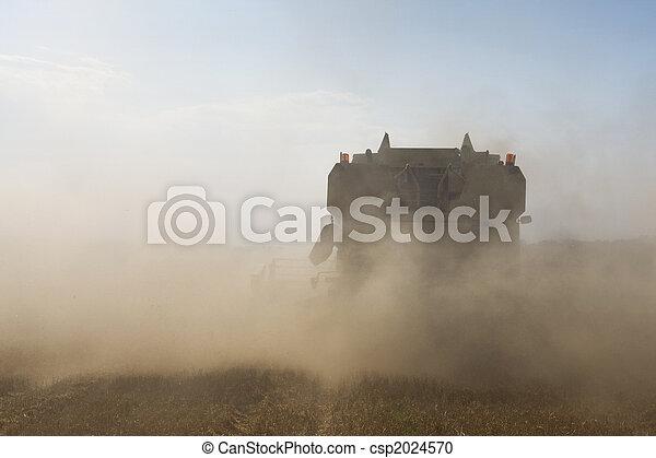 Agriculture - Combine - csp2024570